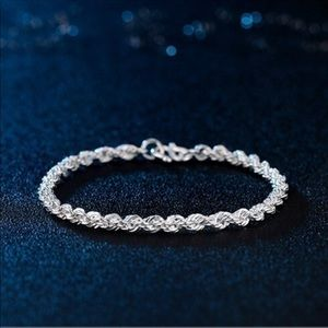 🔥Luxury silver plated twisted bracelet